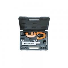 Tagliatubi ed attrezzo bordatubi in cassetta di materiale plastico - Beta 351C