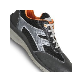 Safety shoes lightweight